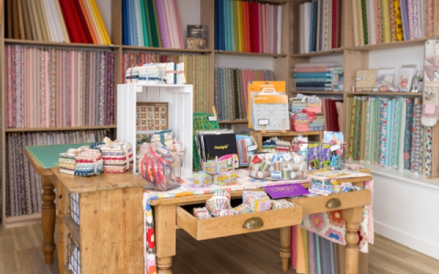 inside-sew-and-quilt-shop