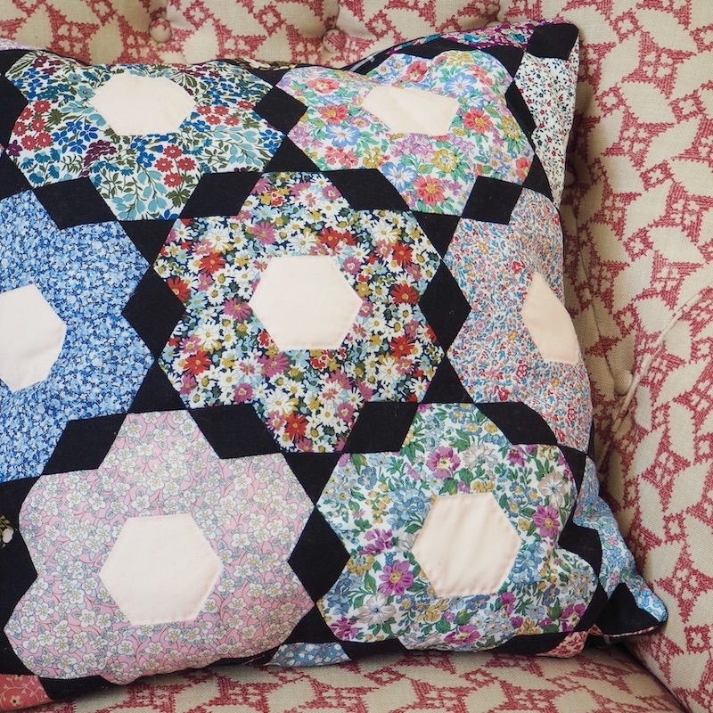 English Paper Pieced cushion kit and pattern