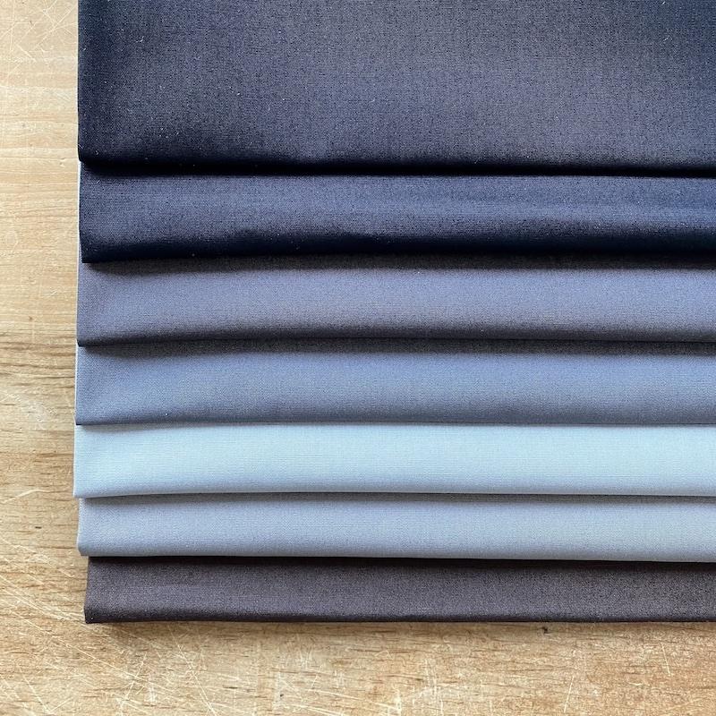Art Gallery Fabrics Pure Solids Black Fat Quarter Bundle