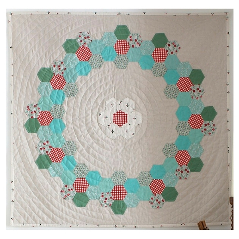English-Paper-Pieced-Merry-HEXmas-Quilt-Kit