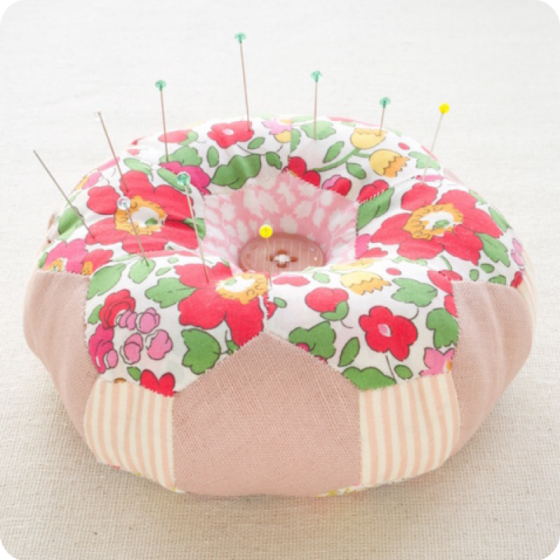 Doughnut-Hexagon-Pincushion-Pattern-Kit